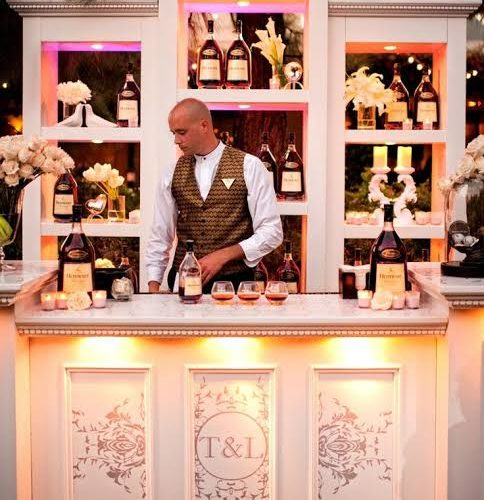 How to Deck Up Lavish Bar Counters at Weddings
